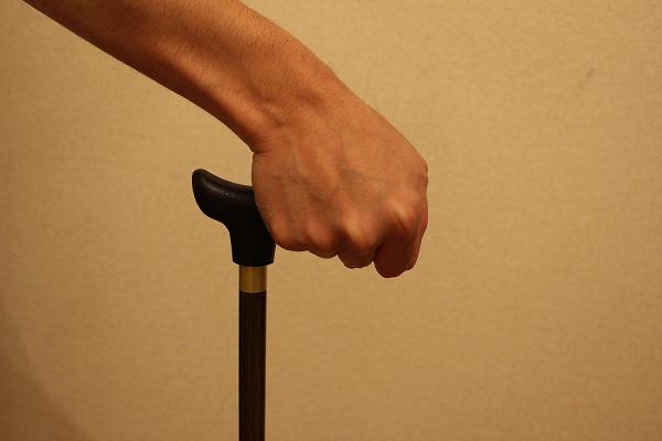 杖の正しくない握り方